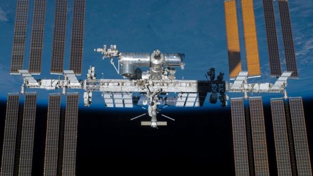 Space Docking Mechanism
